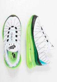 Nike Sportswear - MX-720-818 - Sneakers - white/black/ghost green/oracle aqua/washed coral - 1