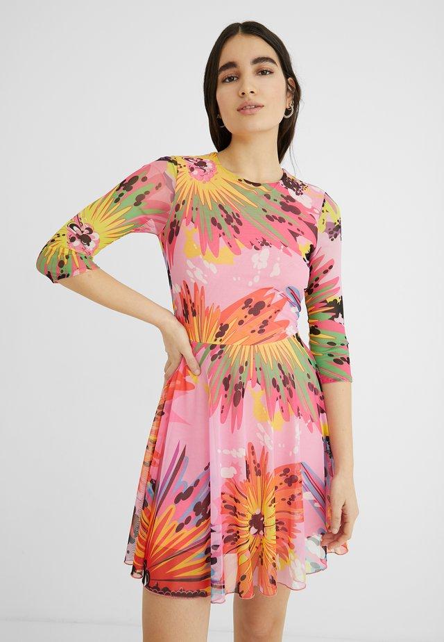 DESIGNED BY MARIA ESCOTÉ: - Vestito estivo - red, pink
