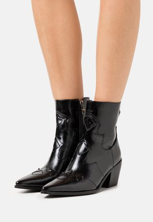 VISTA - Cowboy/biker ankle boot - black