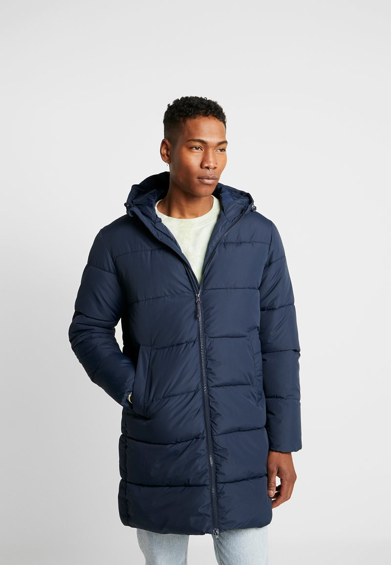 Jack & Jones - JORKNIGHT LONG PUFFER JACKET - Płaszcz zimowy - navy blazer