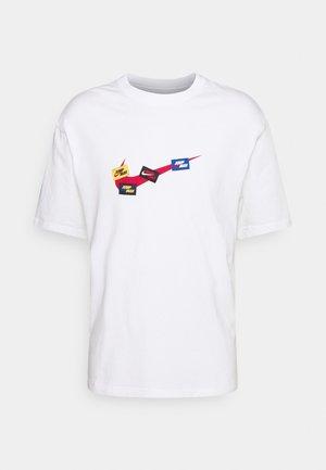 JUMPMAN CREW - T-shirts print - white/gym red/(gym red)