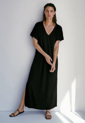 SCHWARZES MIT SEITLICHEN SCHLITZEN 06677783 - Vestito lungo - black