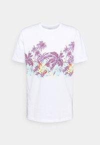 MYSTIC SUNSET - Print T-shirt - white