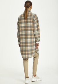 Cream - TARACR OZ SHIRT - Classic coat - feather gray check - 1