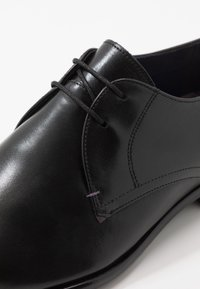 Ted Baker - SUMPSA DERBY SHOE - Smart lace-ups - black - 6