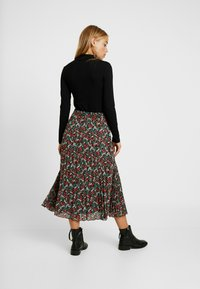 ONLY Petite - ONFLMISHA PLISSE SKIRT - A-line skirt - black/neon summer ditsy - 2