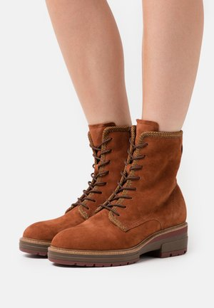 BOOTS  - Platform ankle boots - rust