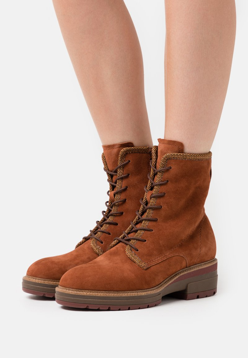 Tamaris Pure Relax - BOOTS  - Platform ankle boots - rust