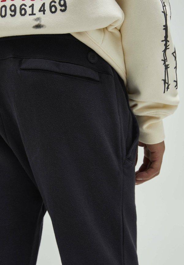 PULL&BEAR Spodnie treningowe - black/czarny Odzież Męska VPAK