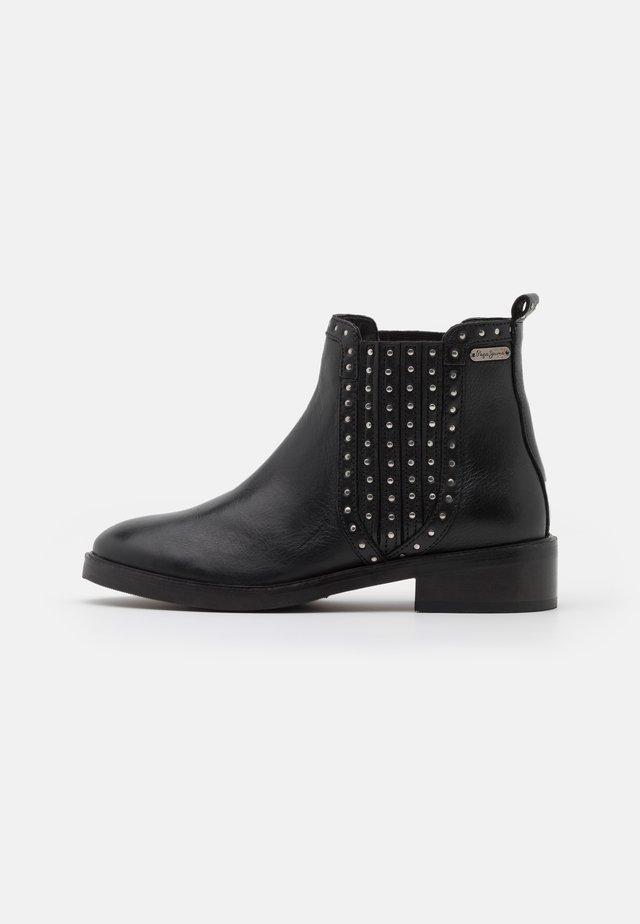 MALDON ESSE - Korte laarzen - black