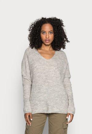 ONLHANNA MAYE V NECK - Sweter - light grey
