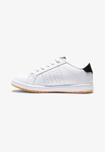 STRIKER - Skate shoes - white gum