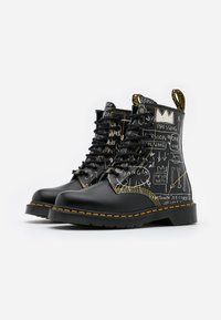 Dr. Martens - 1460 BASQUIAT - Lace-up ankle boots - white/black smooth - 1