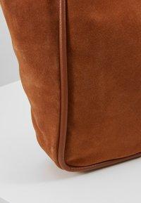 mint&berry - LEATHER - Tote bag - cognac - 6