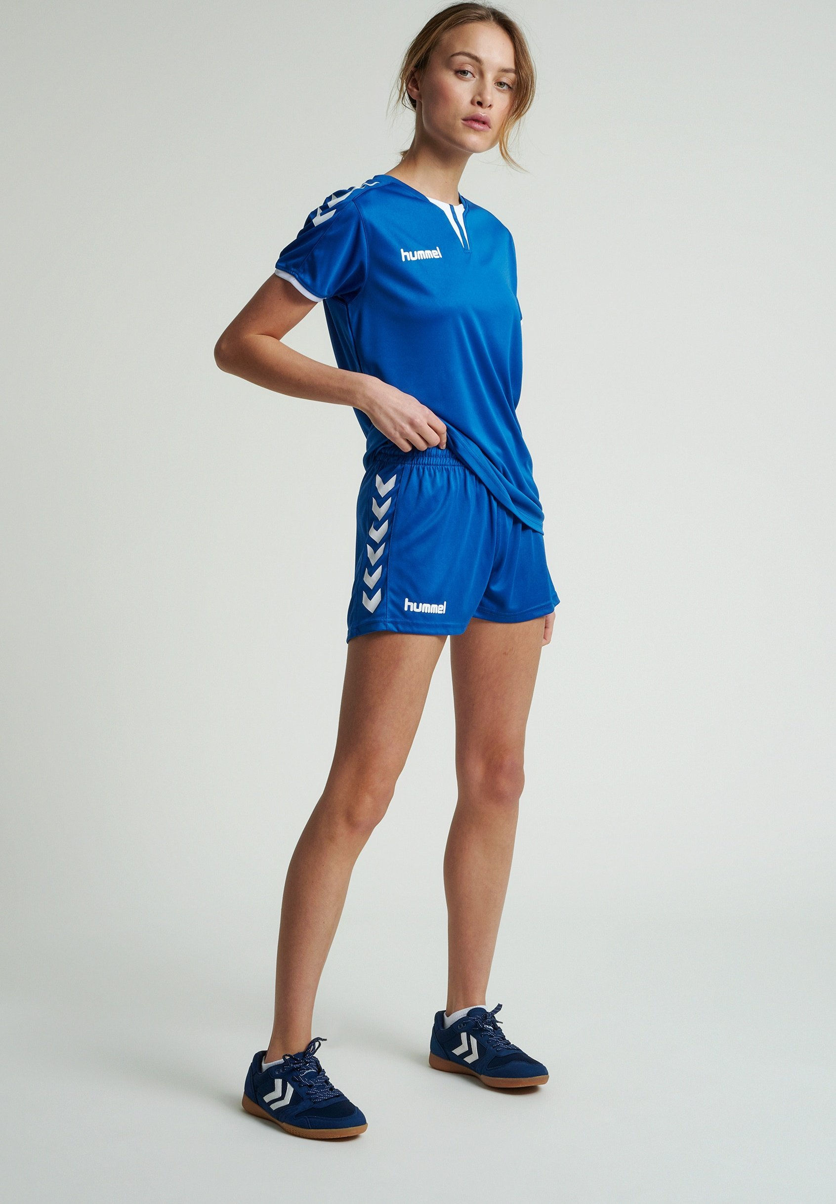 Damen CORE - kurze Sporthose