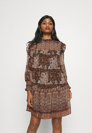 OBJARYA SHORT DRESS - Kjole - sandshell