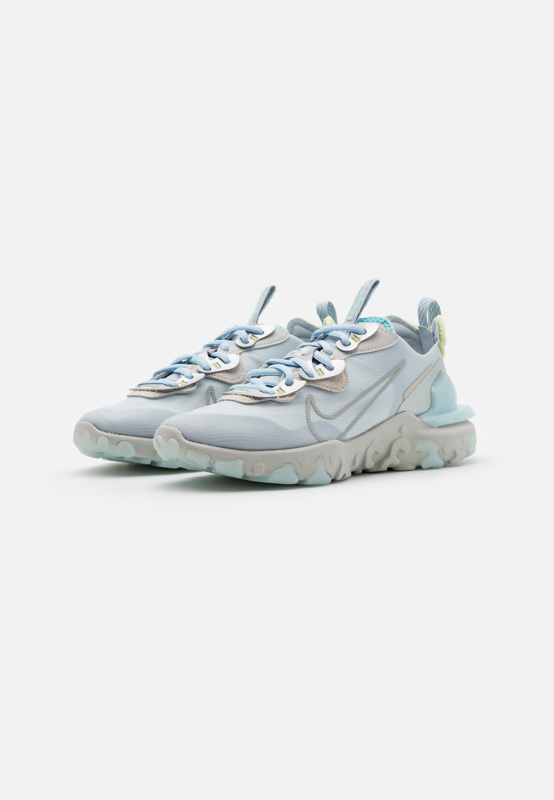Nike Sportswear REACT V2 Sneaker low celestine blue/metallic platinum/light silver/light bone/celestine blue/life lime/hellblau