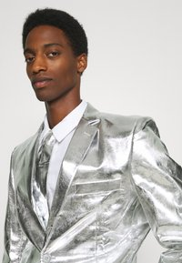 OppoSuits - SHINY SET - Suit - silver - 6