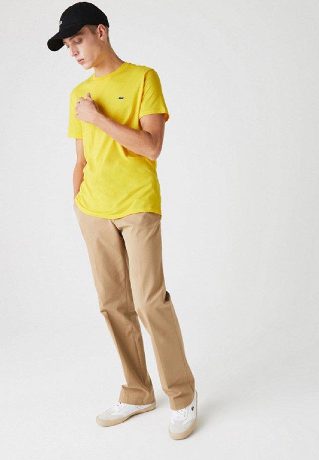 Camiseta básica - yellow
