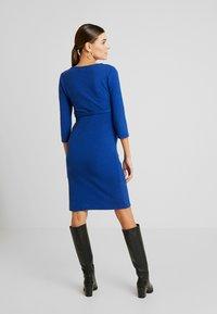 MAMALICIOUS - MLLARISSA DRESS - Vestido ligero - mazarine blue - 3