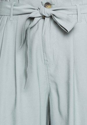 ONLAMINTA ARIS  - Trousers - chinois green