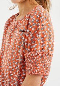 WE Fashion - Blouse - coral pink - 2