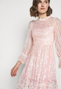 Needle & Thread - PATCHWORK DRESS - Cocktail dress / Party dress - ballet slipper/pink - 6