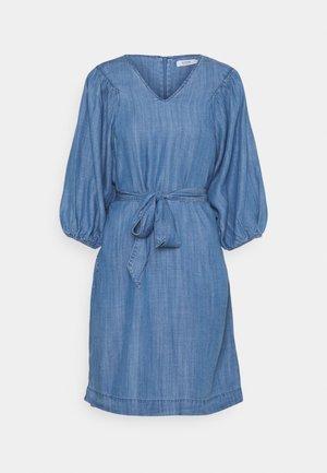 LANA PUFF DRESS - Denim dress - mid blue denim