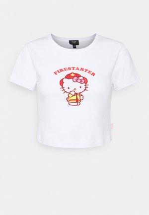 FIRESTARTER BABY TEE - Print T-shirt - white