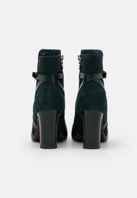 Tamaris Heart & Sole - BOOTS - Kotníková obuv na vysokém podpatku - bottle - 3