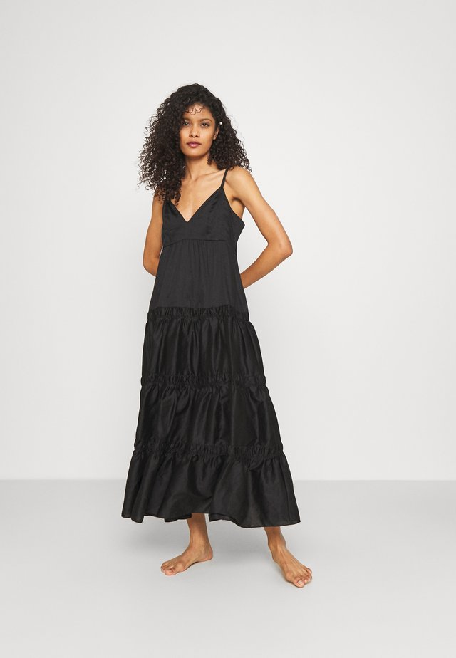 NOMADE TIERED MAXI DRESS - Ranta-asusteet - black