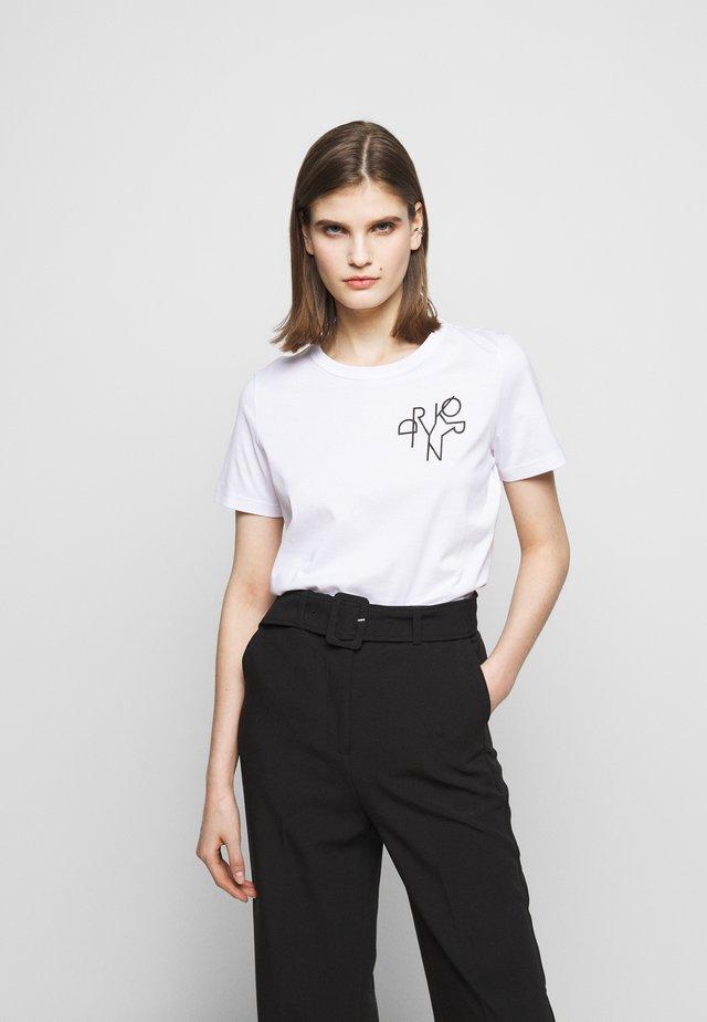 ANISIA - Print T-shirt - weiss