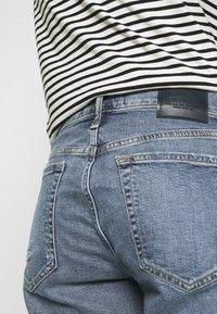 Abercrombie & Fitch - Jeansshorts - medium destroy - 4