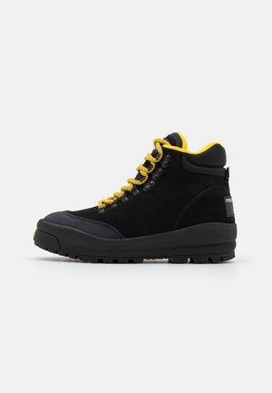 HIGH TOP LACE - Šněrovací kotníkové boty - black