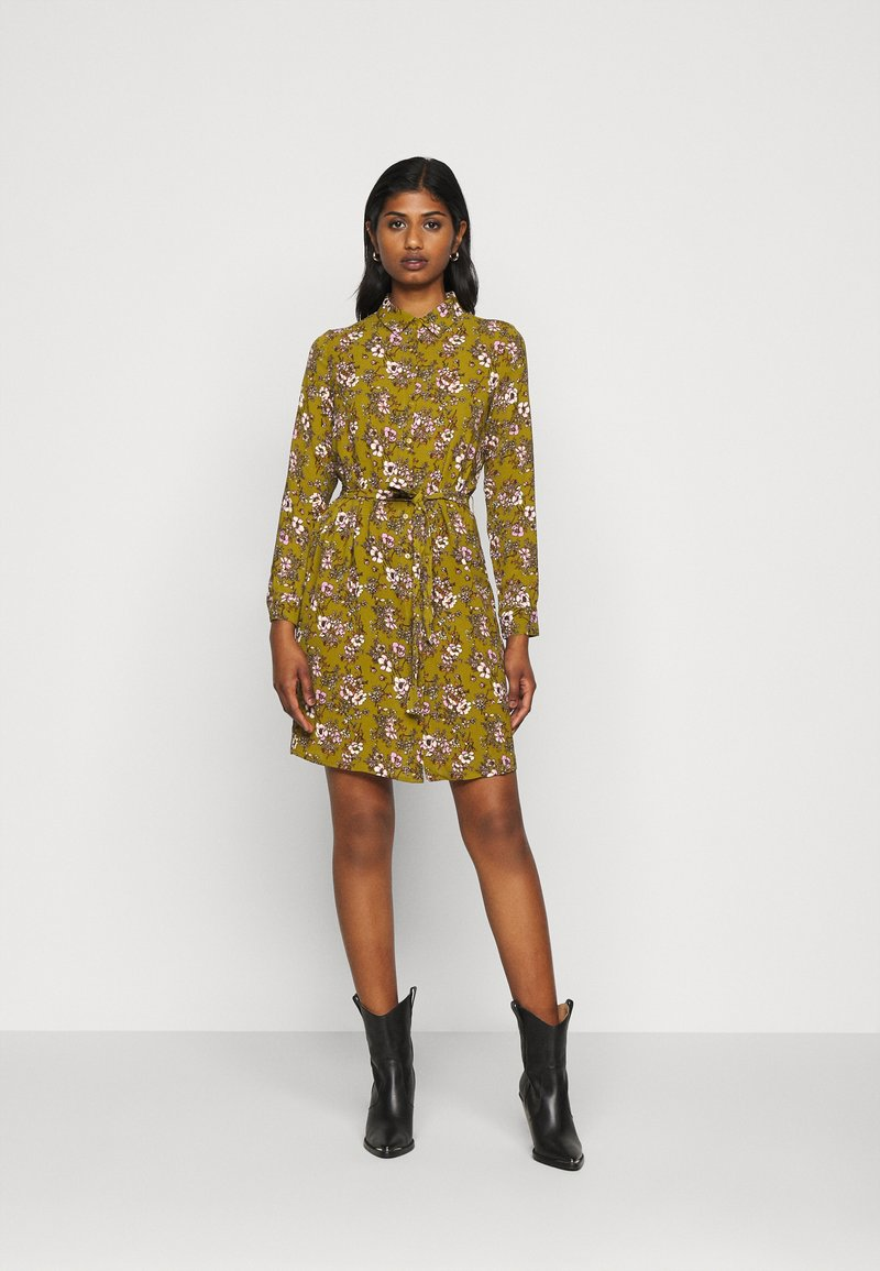 Vero Moda Petite - VMSAGA  - Skjortekjole - fir green/stasia