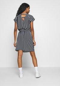 Vero Moda - VMSASHA BALI SHORT DRESS NOOS - Day dress - navy blazer/coco - 2