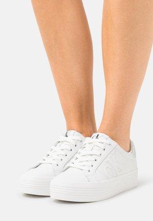 FLATFORM - Trainers - bright white