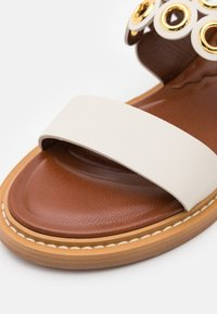 See by Chloé - STEFFI FLAT - Sandals - natural - 6