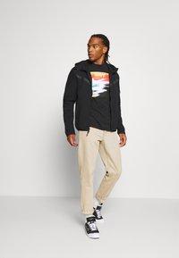Nike Sportswear - TEE SUMMER PHOTO - Print T-shirt - black - 1
