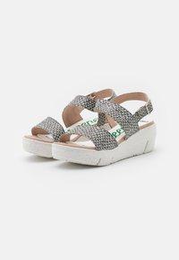 Wonders Green - Platform sandals - coralus - 2