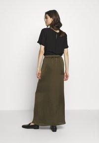 NAF NAF - HELENE - Maxi sukně - new kaki - 2
