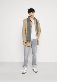 Mustang - WASHINGTON - Slim fit jeans - denim grey - 1
