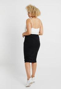 Missguided Plus - CURVE MIDI SKIRT - Pencil skirt - black - 2
