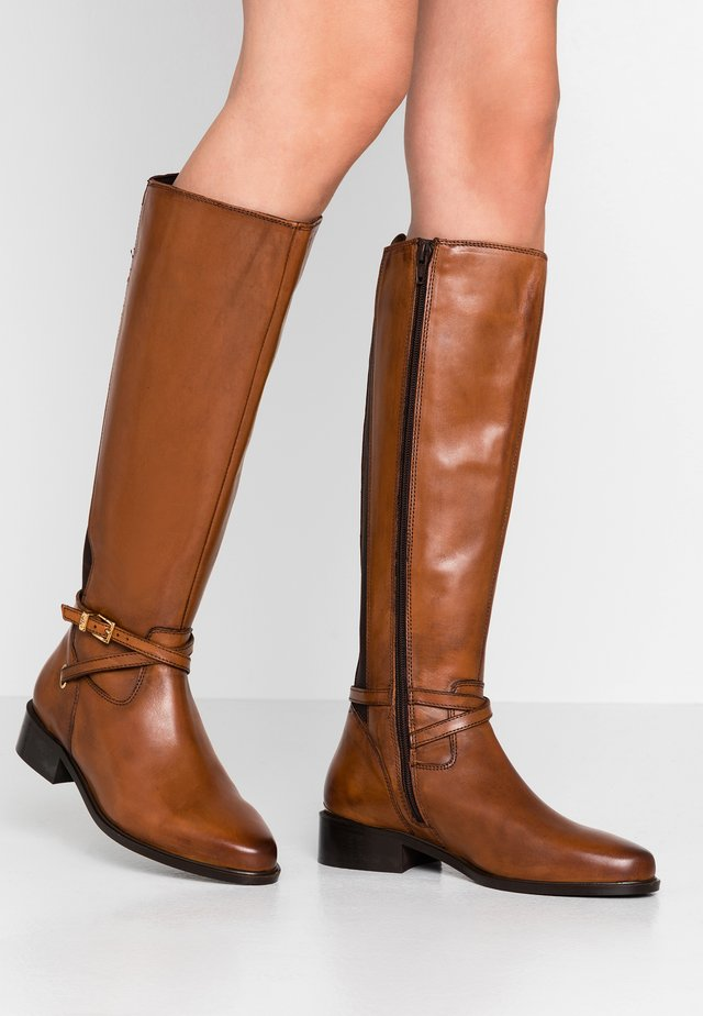 TRUE - Boots - tan