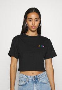 Ellesse - CURVA - Print T-shirt - black - 0
