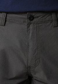 Napapijri - N-ICE CARGO - Shorts - dark grey solid - 5