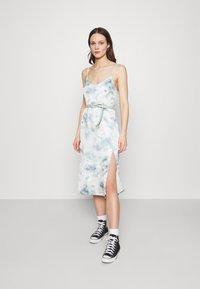 Abercrombie & Fitch - MIDI DRESS - Day dress - green/blue - 0