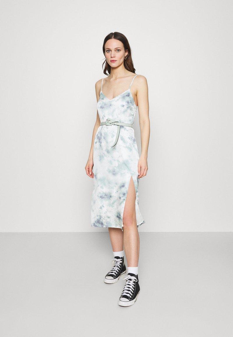 Abercrombie & Fitch - MIDI DRESS - Day dress - green/blue