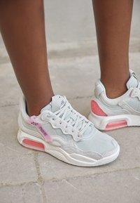 Jordan - MA2 - Trainers - light bone/black sunset pulse/light arctic pink/sail - 2