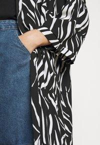 New Look Curves - ZEBRA KIMONO - Lehká bunda - black - 5